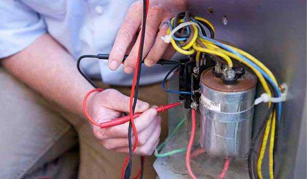 4 نحوه راه اندازی داکت اسپلیت برای راه اندازی داکت اسپلیت در حالت سرمایش و یا راه اندازی در حالت گرمایش (اصطلاحا راه اندازی گرمایش)، ابتدا باید اقدامات و سرویس کلی بر روی دستگاه انجام شود که به شرح زیر توضیح داده می شود . در ادامه راه اندازی در حالت سرمایش و یا راه اندازی گرمایش داکت اسپلیت جداگانه بیان می شود.